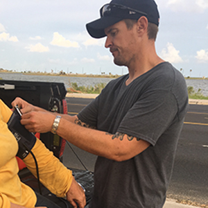David Overton treats a patient affected by Hurricane Harvey